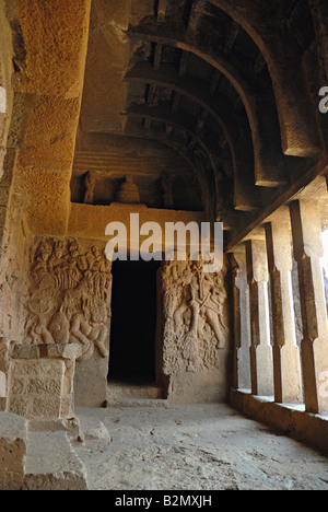 Les grottes de Bhaja - vue de l'intérieur. Bhaje est un groupe de 18 grottes. Dans le 12ème est l'Chaityagriha grotte, Banque D'Images
