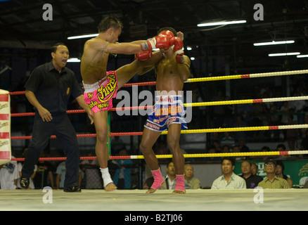 Thai Boxing, stade Lumphini, Bangkok, Thaïlande Banque D'Images