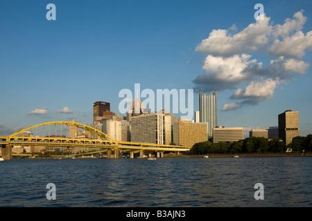 Skyline panorama de Pittsburgh en Pennsylvanie Banque D'Images
