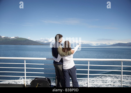 Couple on Ferry, Prince William Sound, Alaska, USA Banque D'Images