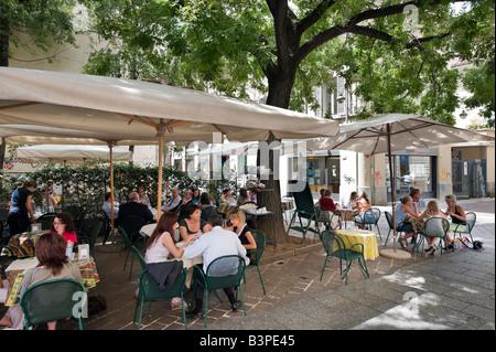 Café-bar en plein centre de la vieille ville, Côme, Lac de Côme, Lombardie, Italie Banque D'Images