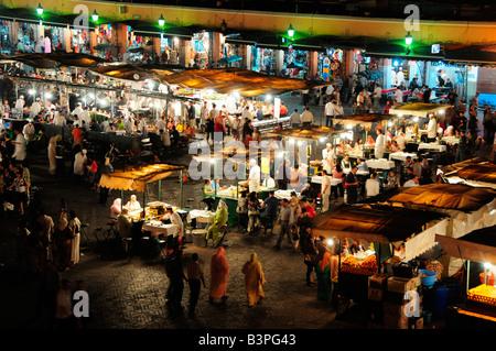 Stands de cuisine sur place Djemma el Fna, 'imposters square' ou 'square du pendu', Marrakech, Maroc, Afrique Banque D'Images