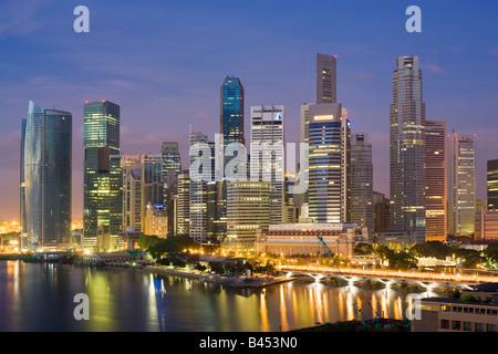 Singapour vue à l'aube Banque D'Images