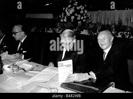 Adenauer, Konrad, 5.1.1876 - 19.4.1967, politicien allemand (CDU) et homme d'État, chancelier 1949 - 1963, demi-longueur, avec le ministre fédéral des Affaires économiques Ludwig Erhard, 12ème couvent du parti fédéral de la CDU, Hanovre, 14.3.1964 - 17.3.1964,