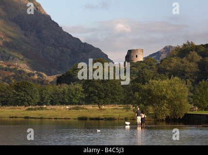 Château de Dolbadarn Llyn Padarn Galles Banque D'Images