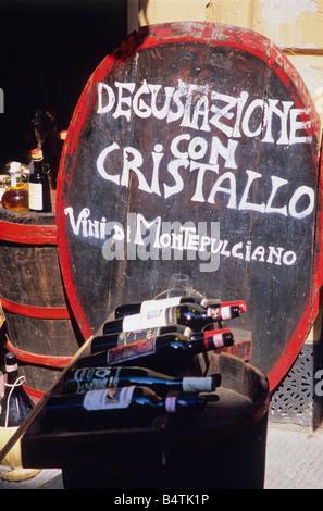 Dégustation de vin signe, Montepulciano, province de Sienne, toscane, italie Banque D'Images