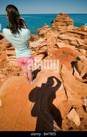 Les formations géologiques rouge colorée à Gantheaume Point près de Broome Australie Occidentale Banque D'Images