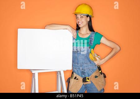 Female Carpenter Banque D'Images