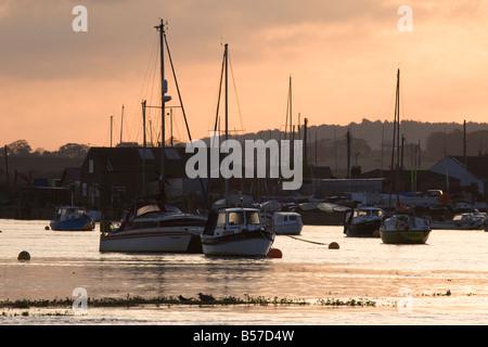 Lever du soleil sur la mer à côté des puits, Norfolk