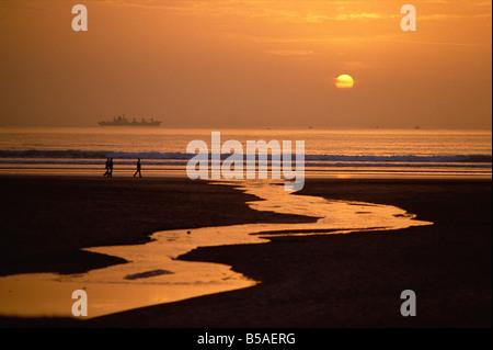 Coucher du soleil, plage d'Agadir, Agadir, Maroc, Afrique du Nord, Afrique Banque D'Images