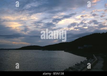 Ciel du soir et scène côtière près de Wajima dans la préfecture d'Ishikawa au Japon Banque D'Images