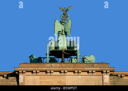 Retour de la 18e siècle porte de Brandebourg (1781) à Berlin, Allemagne Banque D'Images