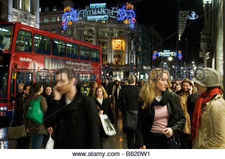 La fin de nuit à Oxford street Shopping de Noël Banque D'Images