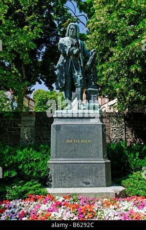 Johann Sebastian Bach memorial statue en face de la maison de Bach, ou Bachhaus Eisenach, en Thuringe, Allemagne, Banque D'Images