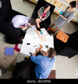 High angle view of business executives discussing Banque D'Images