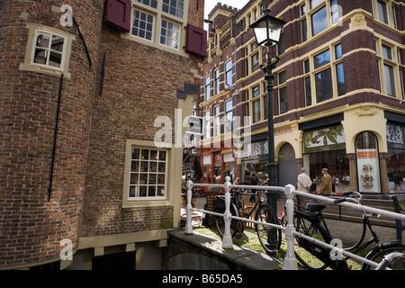 Scène de rue à Delft aux Pays-Bas Banque D'Images