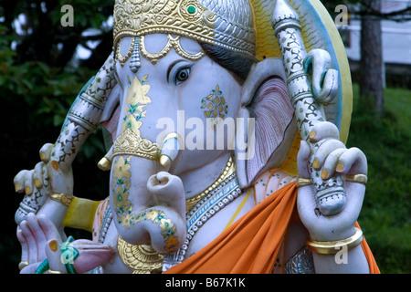 Tête et épaule détail d'une statue du dieu hindou - Le Seigneur Ganesh, dieu de la bonne chance, de sagesse et de Banque D'Images