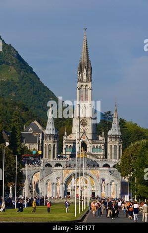 Basilique du rosaire, Port Saint Michel, Lourdes, France, Europe, Pyrenees-Midi