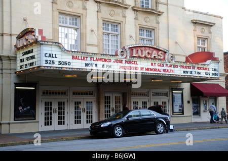 Le théâtre Lucas qui date de l'époque 1920 dans le quartier historique de Savannah, Géorgie, USA Banque D'Images