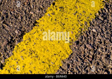La ligne de chemin jaune Banque D'Images