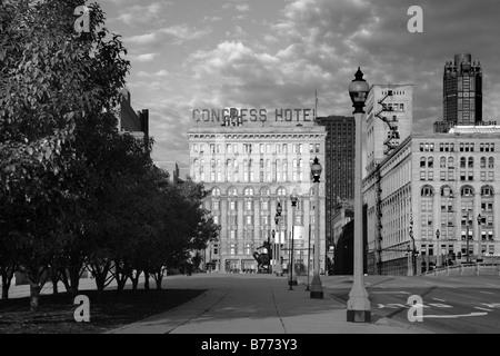 Hôtel DES CONGRÈS ET AUTRES BÂTIMENTS HISTORIQUES SUR MICHIGAN AVENUE AU CENTRE-VILLE DE CHICAGO, ILLINOIS Banque D'Images