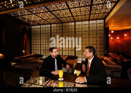 Les clients de nuit à l'hôtel à Kempinski Mall of the Emirates à Dubaï, Émirats arabes unis, ÉMIRATS ARABES UNIS, Banque D'Images