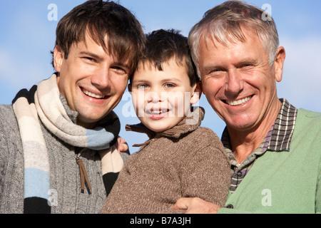 Portrait de grand-père, père et fils