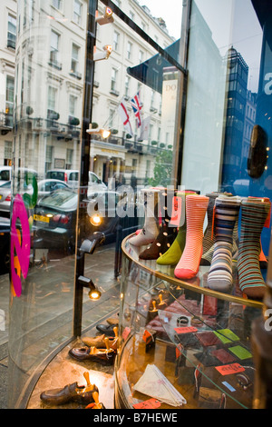 Chaussettes sur afficher dans une vitrine Banque D'Images