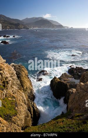 La côte et l'océan Pacifique, Rocky Point, entre Big Sur et Carmel, Californie, USA Banque D'Images