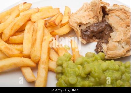 Plaquettes pâté à la viande et petits pois Banque D'Images