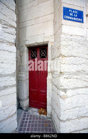 L'ancienne porte latérale de l'église Saint George dans la partie ancienne de Lyon appelé le Vieux Lyon Banque D'Images