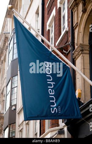 Le signe au-dessus de l'Bonhams Auctioneers sur New Bond Street, Londres. Jan 2009
