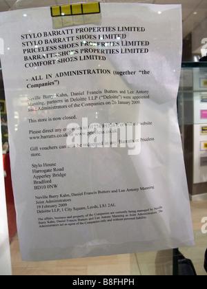 Shop Les lettres d'administration pour les clients Banque D'Images