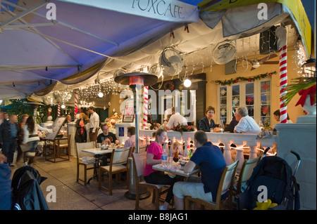 Restaurant de nuit, sur Ocean Drive dans le quartier Art déco, South Beach, Miami Beach, Gold Coast, Florida, USA Banque D'Images