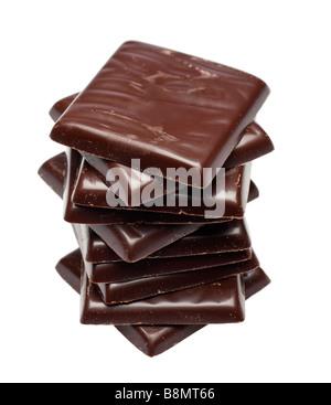 Pile de chocolat noir après le dîner 8 découpe menthes Banque D'Images