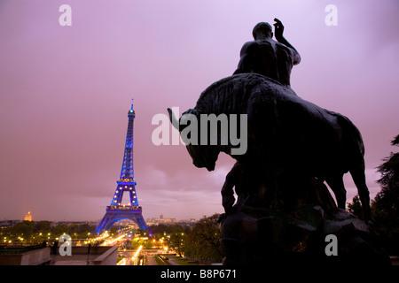 La Tour Eiffel vue du Trocadéro Paris France Banque D'Images