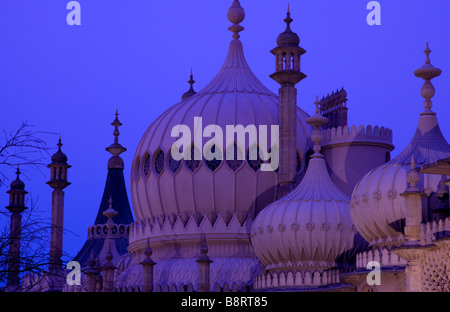Royal Pavilion, au crépuscule, Brighton, East Sussex, Angleterre Banque D'Images