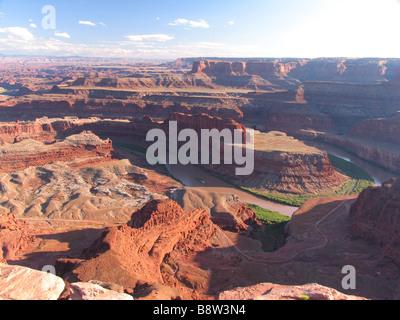 Vue de la rivière Colorado à partir de négliger à Dead Horse Point State Park, Utah, USA Banque D'Images