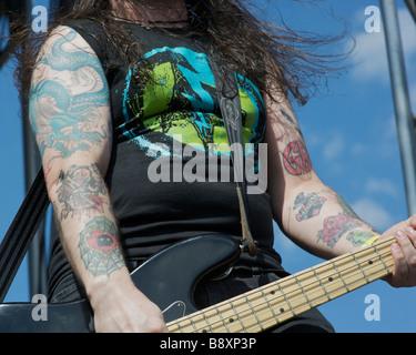 Aucun n'est plus Black le bassiste Paul Delaney Banque D'Images