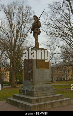 'Silent Sam' à la mémoire des soldats confédérés à l'Université de Caroline du Nord à Chapel Hill