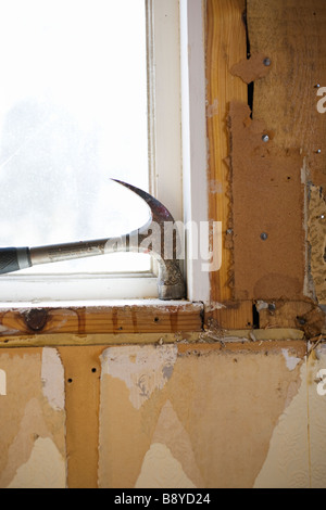 Un marteau dans la fenêtre de la Suède. Banque D'Images