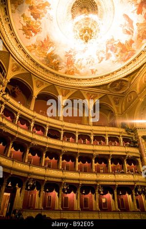 Intérieur de l'Opéra d'État hongrois Magyar Allami Operahaz à Budapest Banque D'Images