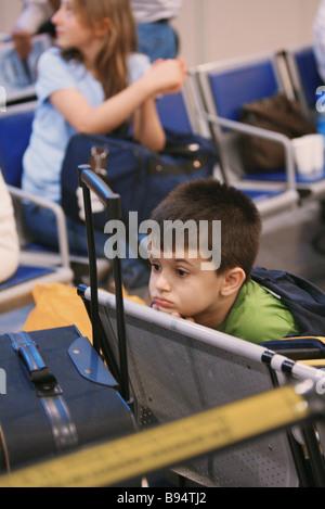 Les ressortissants russes et de la CEI évacués du Liban d'arriver à l'aéroport Domodedovo Banque D'Images