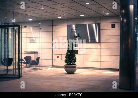 Entrée de Lloyds Banking Group AC dans City of London Banque D'Images