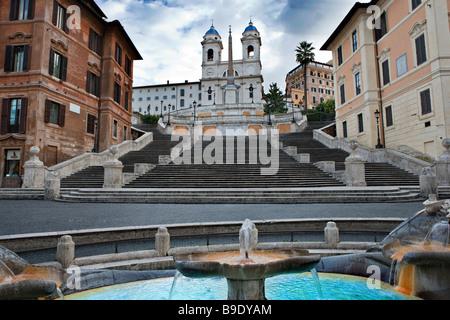 Les marches espagnoles, Piazza di Spagna, la fontaine de Bernini, Barcaccia Rome Latium Latium Italie Banque D'Images