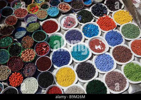 Inde Pondichéry Pondichéry perles de couleur Banque D'Images