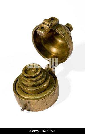 Fédération ensemble de poids pour balance dans un cas, 19e siècle. Banque D'Images