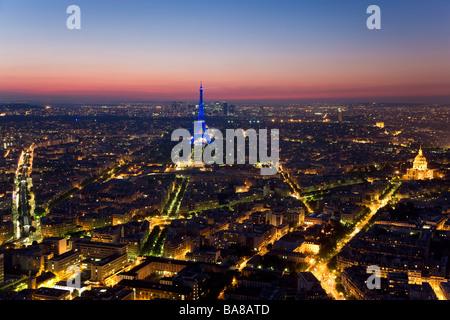 Vue sur Tour Eiffel Tower Paris France Banque D'Images