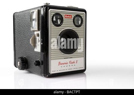 Boîte de Kodak Brownie Flash II (2) Isolation de l'appareil photo Banque D'Images