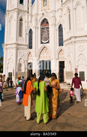 Culte Basilique Notre Dame de Bonne Santé Velankanni Tamil Nadu Inde